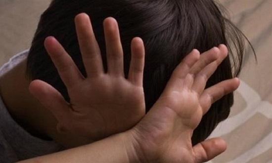 مصر: طفلان يستدرجان آخر للإعتداء عليهه في المقابر