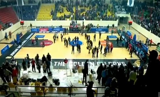 اتحاد السلة يوضح بشأن الشغب في مباراة الأهلي والوحدات .. فيديو