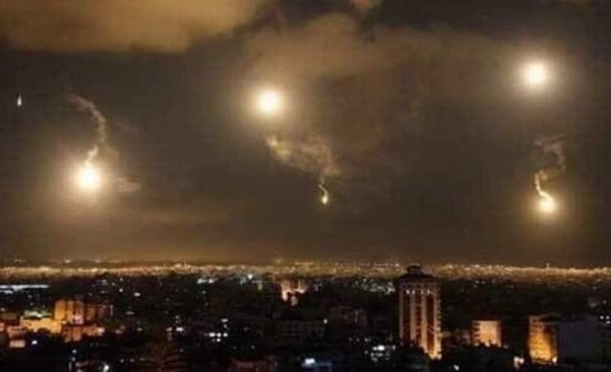 """مقتل جندي سوري وإصابة ثلاثة بقصف """"إسرائيلي"""" على ريف دمشق"""