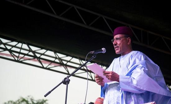 النيجر.. تنصيب محمد بازوم رئيسا للجمهورية