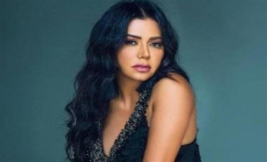 شاهد .. رانيا يوسف ترتدي الحجاب