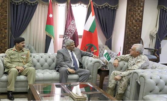 ئيس هيئة الأركان المشتركة يستقبل السفير الباكستاني
