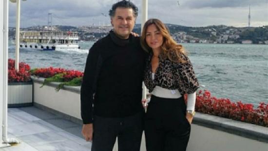 راغب علامة في إجازة رومانسية مع زوجته بإسطنبول.. شاهد