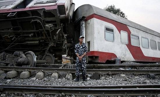 بعد فاجعة طوخ.. إقالة رئيس هيئة السكك الحديدية في مصر
