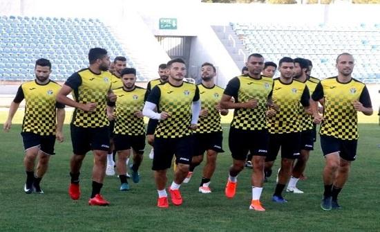 منتخب الكرة يبدأ تدريباته في دبي بصفوف مكتملة