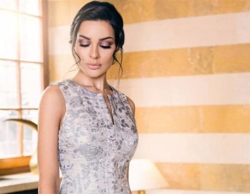 بالفيديو - نادين نسيب نجيم من التمثيل الى عرض الأزياء