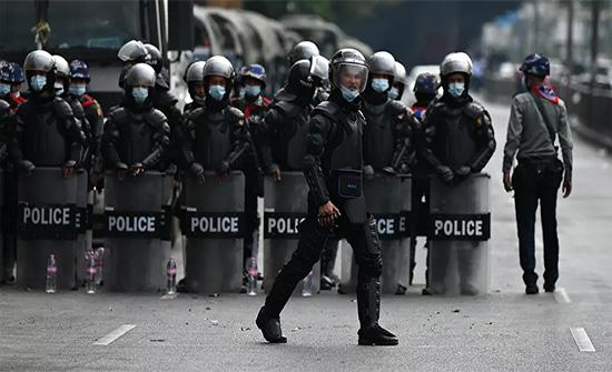 """الولايات المتحدة تعرب عن قلقها إزاء استمرار"""" قمع"""" المظاهرات في ميانمار"""