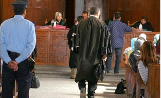 المغرب : اوهمها انه سيصدر قرار قضائي لصالحها ... فوافقت على استغلالها جسديا