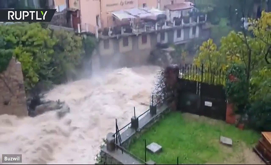 بالفيديو : مفقودان ومئات المنازل المتضررة جراء الأمطار جنوب فرنسا