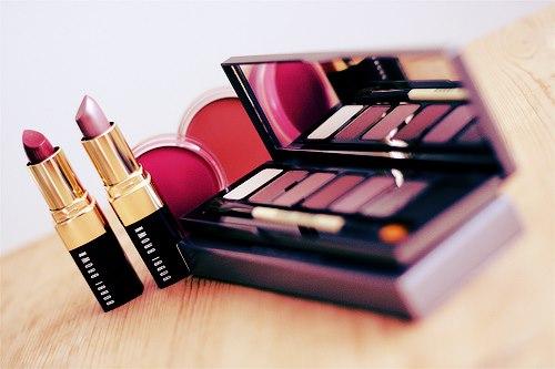 دراسة: نصف مستحضرات التجميل تسبب مشاكل صحية أبرزها السرطان
