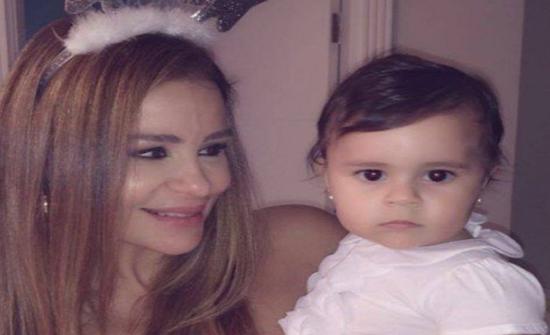 كارول سماحة : ابنتي تحمل ديانتين
