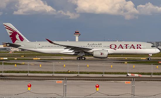 الخطوط القطرية تعيد تشغيل بعض رحلاتها عبر الأجواء السعودية