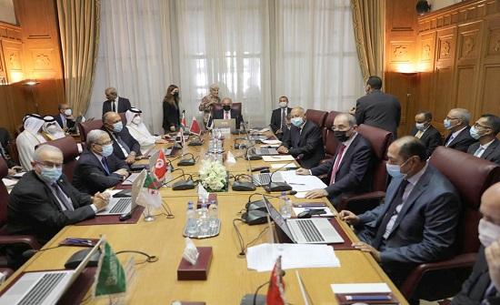 الصفدي ونظيراه المصري والفلسطيني يعقدون اجتماعا في القاهرة