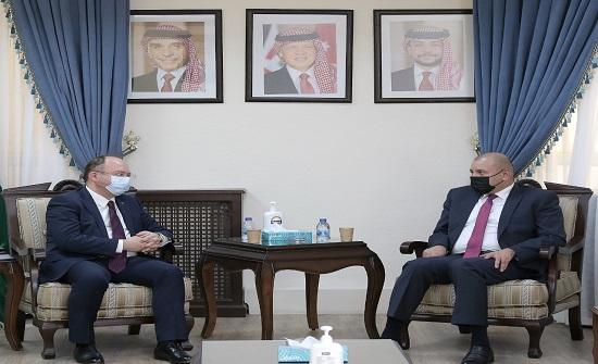 رئيس مجلس النواب يلتقي وزير الخارجية الروماني