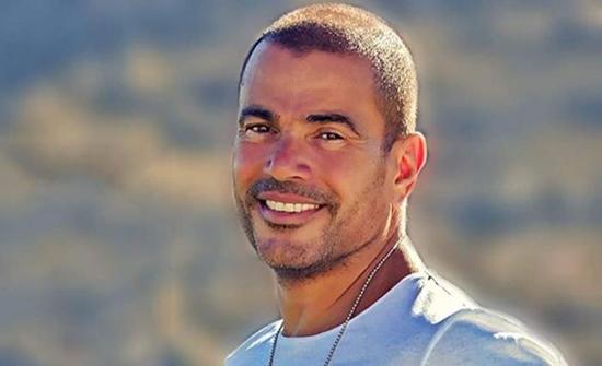 عمرو دياب يطلب التقاط صورة مع شاكوش - فيديو