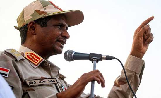 """حميدتي يحذر من تفاقم الأزمات.. """"السودان بوضع غير مريح"""""""