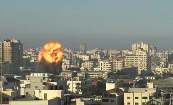 بلدية غزة: الغارات استهدفت البنى التحتية والاحتلال يتحدث عن قصف شبكة أنفاق عملاقة