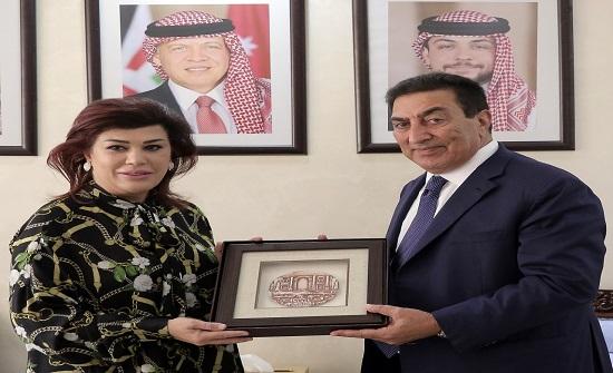 الطراونة يلتقي السهيل بمناسبة انتهاء مهامها سفيرة للعراق في المملكة