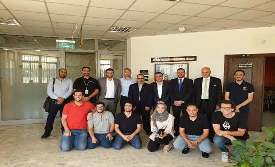 بحث توفير فرص تدريبية لطلبة هندسة (الأردنية) في (ايرباص)العالمية