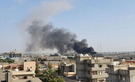 ليبيا.. مقتل مدنيين اثنين بقذائف حفتر على طرابلس