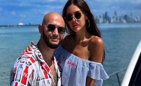 مغني روسي مشهور يقضي إجازته في مصر مع زوجته (صوروفيديو)