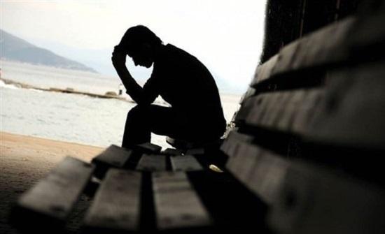 أعراض تشير إلى إصابتك بالاكتئاب.. احذر منها