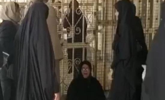 بالفيديو : أمهات السجناء السياسيين يتظاهرن أمام سجن الأهواز