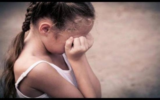 اغتصب طفلة وصورها بهاتفه.. سائق يسقط في يد الشرطة بعد جريمته بـ45 دقيقة