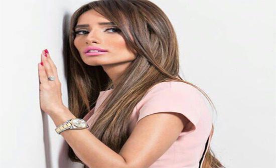 زينة بعد قرار المحكمة في قضيتة أحمد عز: الوقاحة أن تبتسم لي وقد أكلت لحمي