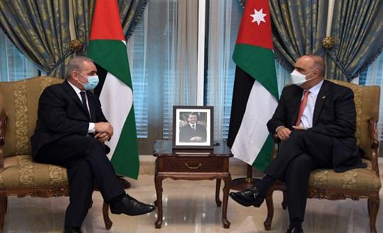 الخصاونة يلتقي نظيره الفلسطيني في عمّان