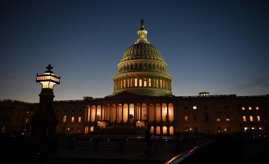 الديمقراطيون والجمهوريون يتبادلون مقاعد في المعركة على مجلس الشيوخ