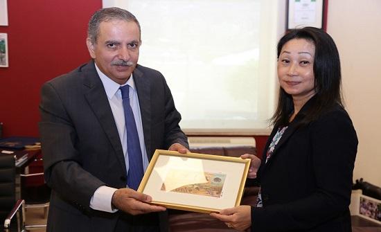 متحف الأردن واليونسكو يبحثان تعزيز التعاون بمجال إقامة الدورات التدريبية
