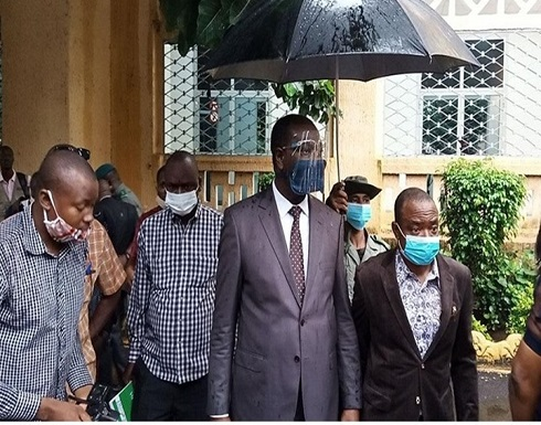 جيش مالي يفرج عن رئيس البلاد ورئيس الوزراء بعد استقالتهما