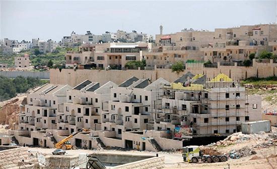 الخارجية تدين مصادقة الاحتلال  بناء اكثر من ألف وحدة سكنية