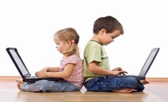 الأمن يدعو لمتابعة الأطفال عند مشاهدة التلفاز أو استخدامهم للانترنت