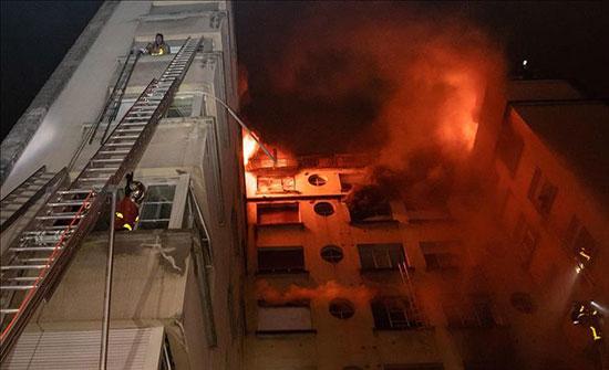 5 إصابات اثر حريق شقة في عمان