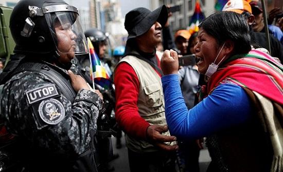 بوليفيا.. مادورو يدعو لعودة موراليس ودعم دستوري لخليفته