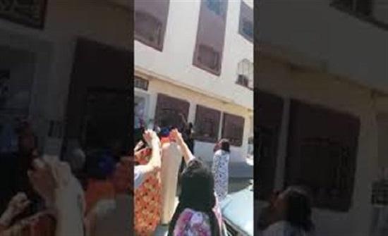 لحظة إنقاذ رجل فتاة حاولت الانتحار (فيديو)