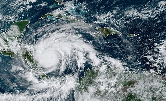 الصين: اجلاء 33 الف مواطن مع هبوط اعصار لوبيت
