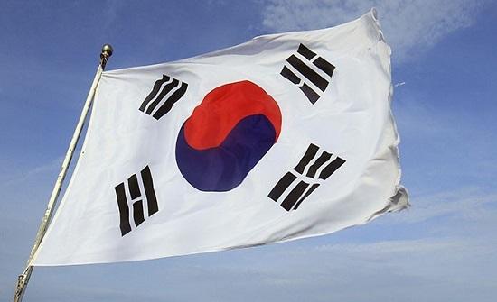 كوريا الجنوبية تبدأ تدريبات عسكرية مفاجئة قبالة سواحلها الشرقية
