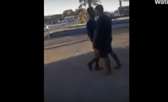 نهاية مروعة لشاب حاول الاستعراض أمام الفتيات (فيديو)