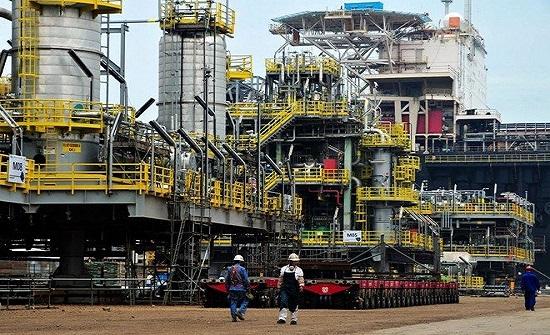 3 قطاعات رئيسة تقود الطلب على النفط .. البتروكيماويات والنقل البري والطيران