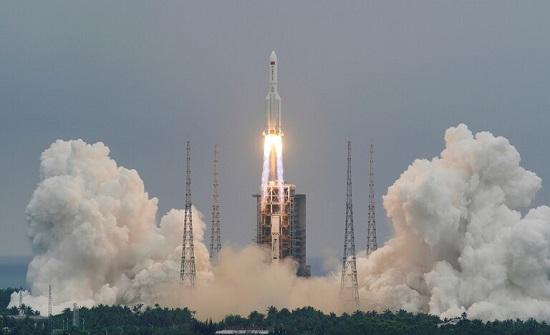وكالة الفضاء الروسية تحدد المكان والموعد المتوقعين لسقوط حطام الصاروخ الصيني التائه