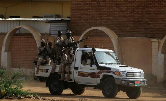السودان.. جندي يقتل مواطنيْن عند نقطة لمراقبة حظر التجول