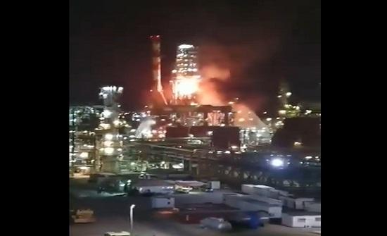 اندلاع حريق كبير في مصفاة نفط بمدينة حيفا .. بالفيديو