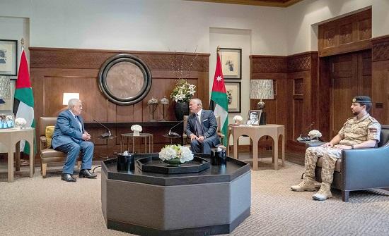 الملك يؤكد خلال لقائه عباس موقف الأردن الداعم والمساند للأشقاء الفلسطينيين