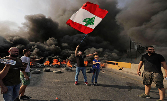 رؤساء حكومات سابقون في لبنان يتضامنون مع الحريري