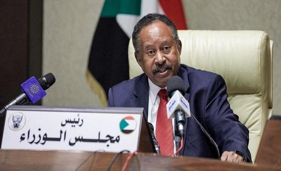 حمدوك: من ينقلبون ويدعون للانقلاب هم ضد الانتقال المدني