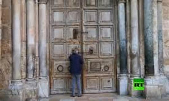 بعد المسجد الأقصى كنيسة القيامة تغلق أبوابها..فيديو