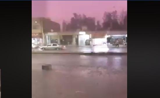 بالفيديو : تساقط امطار رعدية في الأزرق